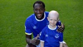 Η Έβερτον χάρισε σε 8χρονο καρκινοπαθή την φωτογραφία της ζωή του! (vid)