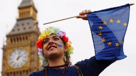 Οι Βρετανοί δεν μετάνιωσαν για το Brexit