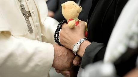 Ο Πάπας συνάντησε τους συγγενείς των θυμάτων από την επίθεση στη Νίκαια