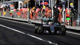 Άπιαστες και τώρα οι Mercedes, η pole position στον Χάμιλτον