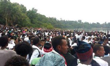 Αιθιοπία: Νεκροί, χημικά και προειδοποιητικές βολές σε θρησκευτικό φεστιβάλ (vids)