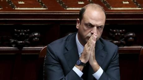 Αλφάνο: Η ιταλική κυβέρνηση θα αγνοήσει τις συστάσεις της Κομισιόν για τον προϋπολογισμό