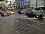 Αντιπλημμυρικά έργα: Αγώνας δρόμου για τον Πειραιά που «πνίγεται» σε κάθε βροχή