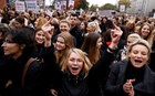 Απεργία γυναικών στην Πολωνία για την απαγόρευση της άμβλωσης