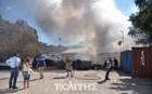 Εξέγερση μεταναστών με φωτιές και επέμβαση των ΜΑΤ σε χώρο φιλοξενίας