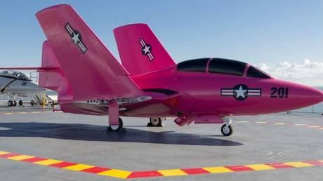Ροζ «μαχητές» στους αιθέρες για την εκστρατεία πρόληψης του καρκίνου του μαστού
