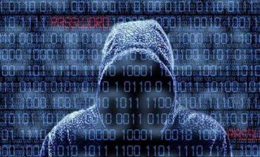 Σνόουντεν 2: Το FBI συνέλαβε συνεργάτη της NSA για κλοπή κώδικα - κοριού