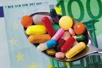 Συρρίκνωση και απολύσεις φέρνει η πολιτική των αλλεπάλληλων περικοπών στο φάρμακο