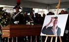 Υπό τους ήχους του Bella Ciao η κηδεία του Ντάριο Φο