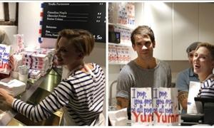 Σκάρλετ Γιόχανσον: Το ΑΔΙΑΧΩΡΗΤΟ στο Παρίσι για το μαγαζί της με ποπ κορν!