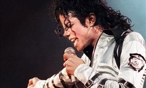 ΣΟΚΑΡΙΣΤΙΚΕΣ αποκαλύψεις: Κορίτσι 12 ετών είχε κακοποιηθεί από τον Μάικλ Τζάκσον-ΦΩΤΟ!
