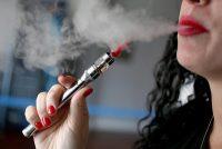 Oι γεύσεις των ηλεκτρονικών τσιγάρων μπορεί να είναι τοξικές