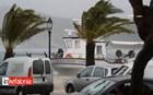 Αργοστόλι: Το αλιευτικό παλεύει με τα κύματα και πρέπει να μεταφερθεί
