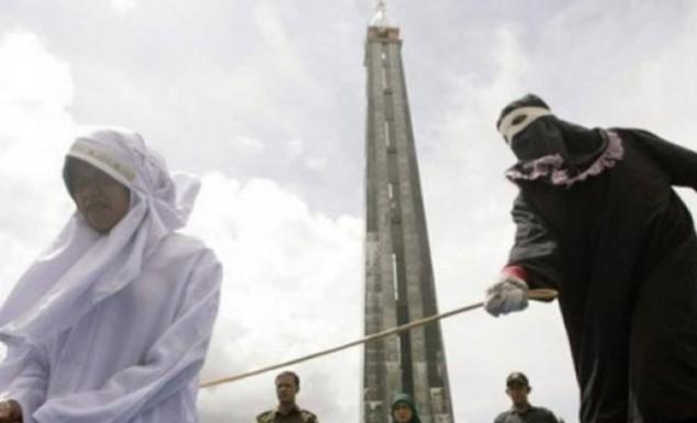 Σαουδική Αραβία: 52 χρόνια φυλάκιση και 7.000 μαστιγώματα