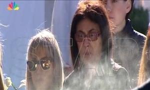 ΑΠΟΚΛΕΙΣΤΙΚΑ στο STAR: Πλάνα από το μνημόσυνο του Παντελίδη – Συντετριμμένη η μάνα του