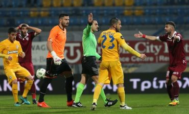 Asteras Tripolis and Larissa draw after referee mistakes