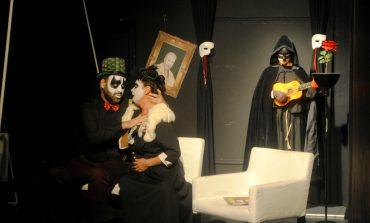 Αίμα Στέμμα Σπέρμα- Μια σουρεαλιστική μαύρη κωμωδία