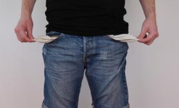 3 στους 4 Έλληνες δεν μπορούν να πληρώσουν τους λογαριασμούς τους