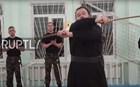 Βίντεο: Ορθόδοξος Ιερέας έχει μαύρη ζώνη στο αϊκίντο