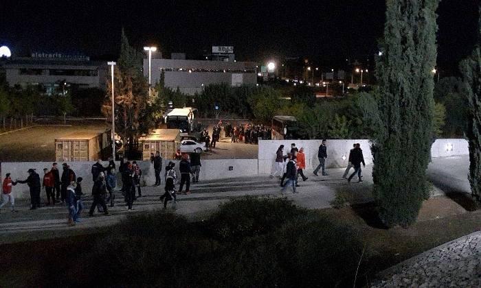 Η είσοδος των φίλων του Ολυμπιακού στο «ΓΣΠ» (video)