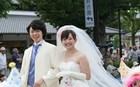 Ιάπωνες εγκαταλείπουν το φλερτ και παντρεύονται τους φίλους τους!