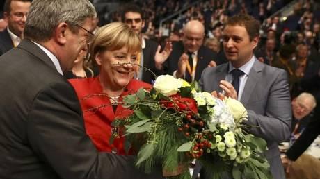 Με ποσοστό ρεκόρ επανεξελέγη η Μέρκελ