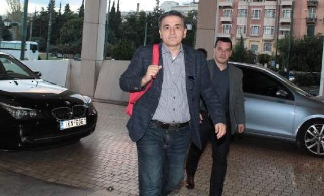 Πυρετώδεις διαβουλεύσεις ενόψει Eurogroup – Τηλεδιάσκεψη κυβέρνησης με δανειστές