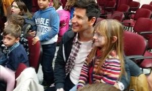 ΜΟΝΟ στο star.gr: Ο Σάκης Ρουβάς κοντά στα παιδιά του Ορφανοτροφείου Βόλου