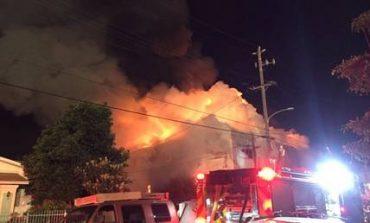 20 αγνοούμενοι από την πυρκαγιά που ξέσπασε σε αποθήκη στο Όκλαντ