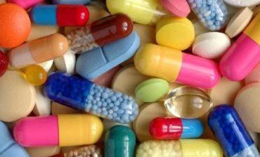Έρευνα για 50 αξιωματούχους και 4.500 γιατρούς για την υπόθεση της φαρμακευτικής.