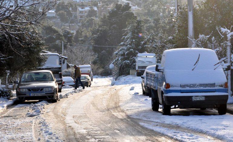 Nέες διακοπές κυκλοφορίας λόγω κακοκαιρίας και στην οδό Ξενίας.
