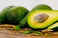Αβοκάντο, για την χοληστερίνη, την πίεση, την καρδιά, τα μάτια, την γήρανση, κατά του καρκίνου και δεν παχαίνει