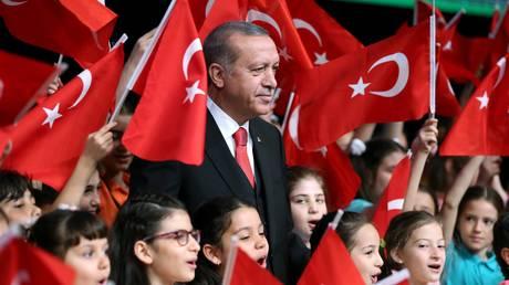 Ανοιχτή κόντρα Τουρκίας – Ε.Ε για τις ενταξιακές συνομιλίες και το δημοψήφισμα