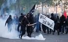 Βίντεο: Επεισόδια στο Παρίσι μετά την ανακοίνωση των εκλογικών αποτελεσμάτων