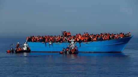 Ιταλία: Ύποπτες σχέσεις ΜΚΟ με διακινητές προσφύγων