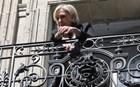 Οι δημοσκοπήσεις του β' γύρου έστειλαν «διακοπές» τη Λεπέν