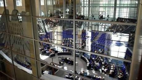 Το Βερολίνο βλέπει διευθέτηση «χωρίς σύγκρουση» με τον Τραμπ για το εμπόριο