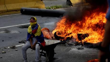 Χωρίς τέλος το χάος στη Βενεζουέλα – Άλλοι δύο νεκροί (pics)