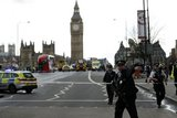 Alert στο Λονδίνο: Συνεληφθη ύποπτος στο Κοινοβούλιο – Είχε σακίδιο γεμάτο μαχαίρια
