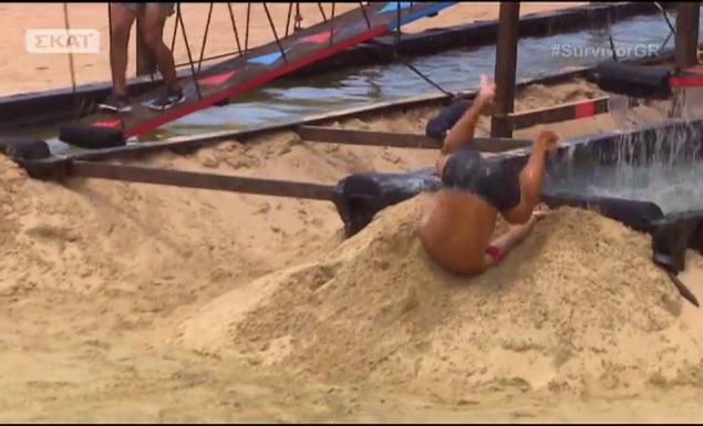 Survivor: Η απίστευτη τούμπα του Ντάνου-Καρφώθηκε με το κεφάλι στην άμμο (vid)