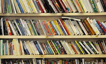Το κήτος απόψε 12/04 στο βιβλιοπωλείο Σπόρος στην Κηφισιά