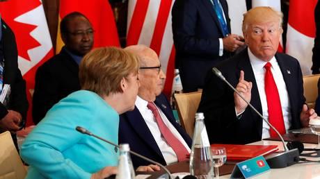 Άκουγε ή όχι τη διερμηνεία στη Σύνοδο των G7 o Ντόναλντ Τραμπ;