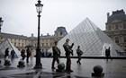 Έληξε η κατάσταση συναγερμού μπροστά από το Μουσείο του Λούβρο