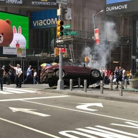 Αυτοκίνητο χτύπησε πεζούς στην Times Square – Ένας νεκρός και επτά τραυματίες (pics&vid)