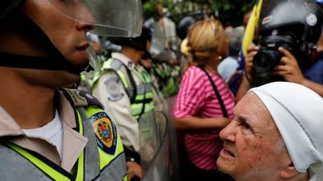 Βενεζουέλα: Επεισόδια σε διαδήλωση συνταξιούχων κατά του Μαδούρο (pics)