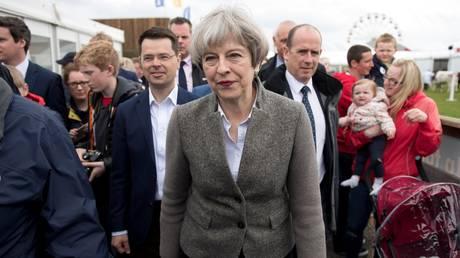 Βρετανία: Σημαντικό προβάδισμα της Μέι ενόψει εθνικών εκλογών