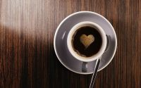 Γιατί δεν πρέπει να πίνουμε καφέ με άδειο στομάχι