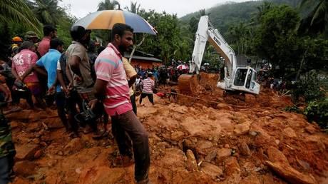 Δεκάδες νεκροί και αγνοούμενοι από τα ακραία καιρικά φαινόμενα στη Σρι Λάνκα (pics)