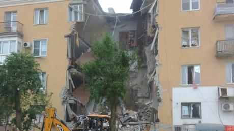 Δύο νεκροί από ισχυρή έκρηξη σε πολυκατοικία στη Ρωσία (pics&vid)