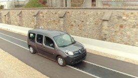 Ηλεκτρικά που θα φορτίζουν εν κινήσει από την Renault